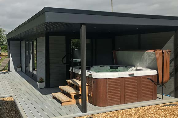 Hot Tub Garden Studio Milton Keynes