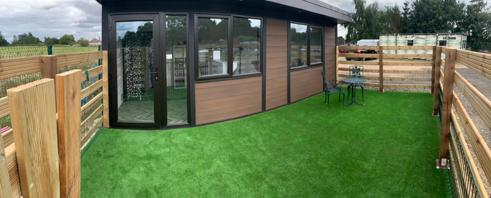 Miltlon Keynes Garden Room Dog Groomer Finishing Outside Piece