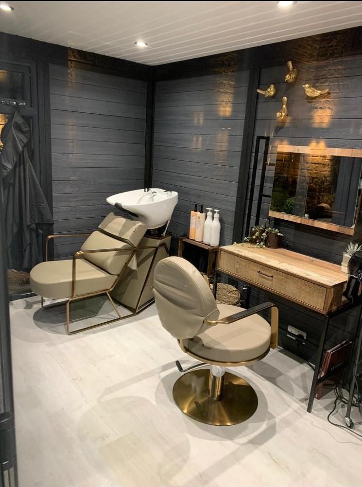 Milton Keynes Garden Room Used As Hair Dresser